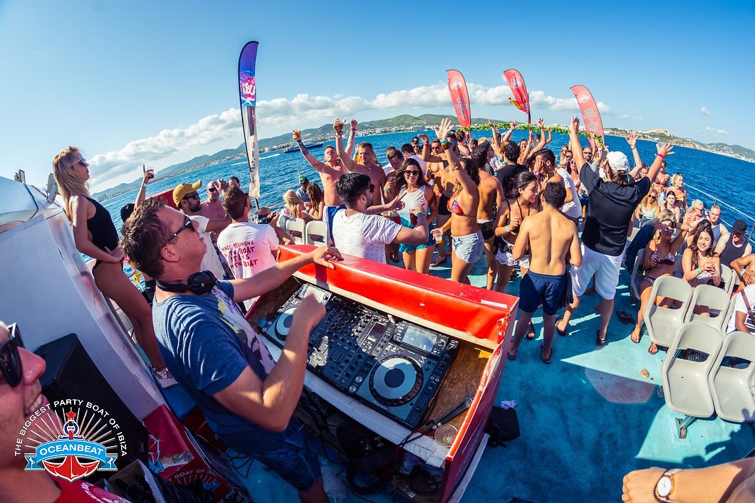 G. Partyboat op Ibiza
