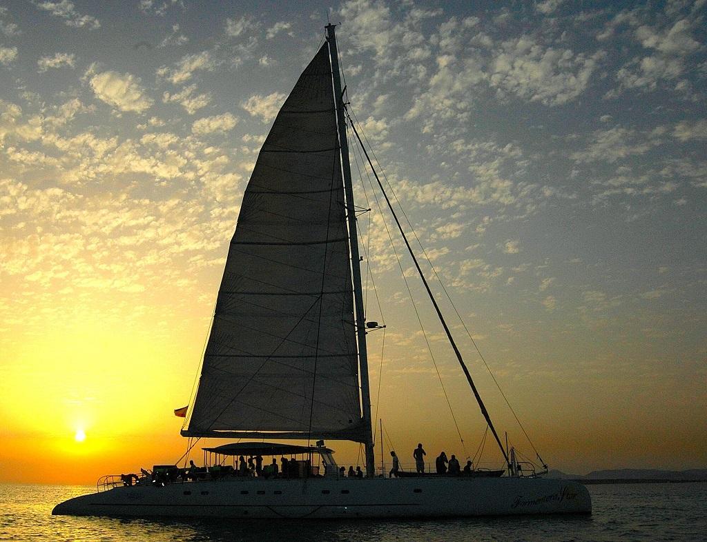 HETibiza - Sunset Catamaran naar Formentera