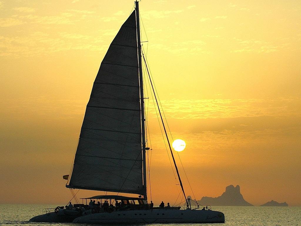 C. Sunset zeiltrip naar Formentera