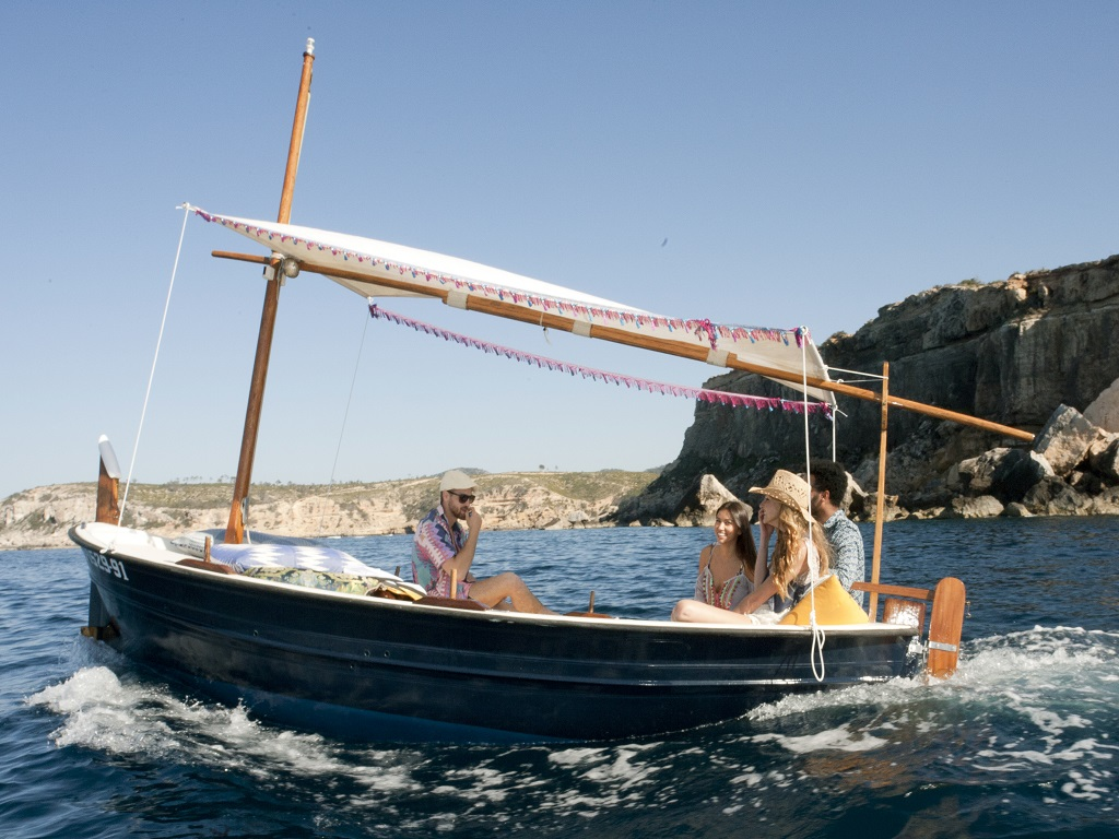 D. Bohemian boot Ibiza - zelf varen